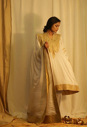 White Phiran Set With Tilla Embroidery