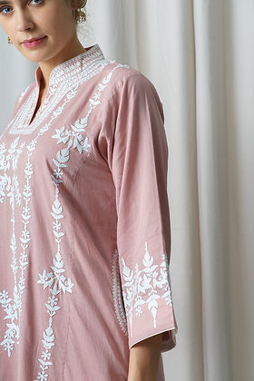 Pink Muslin Phiran with White Aari Embroidery
