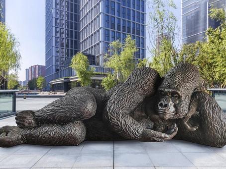 Rei Nyani, o Gorila gigante de Bronze está chegando ao Hudson Yards.