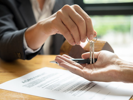 Top Reasons You Benefit from a Lawyer During Closing and Escrow