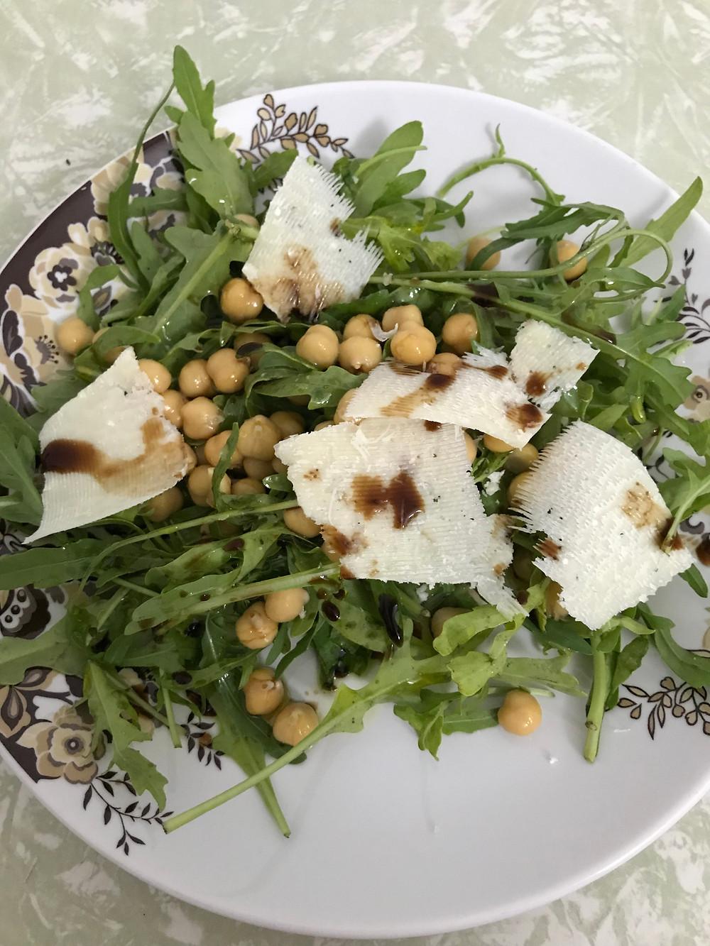chickpea salad סלט חומוסים פרמזן