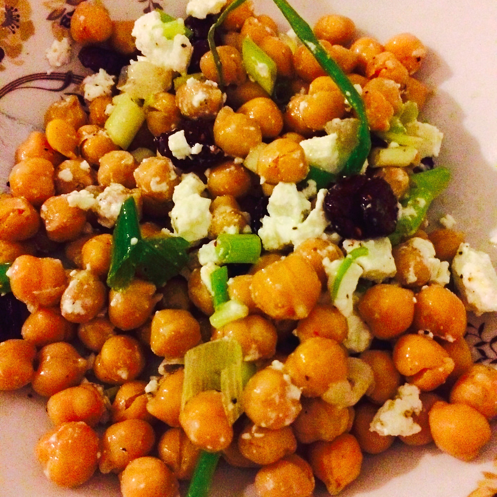 chickpea salad סלט חומוסים