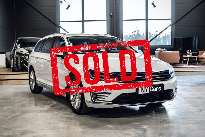 SOLD! Volkswagen Passat GTE -18