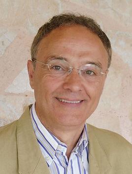 Dr. Cayo Martín Vaencia