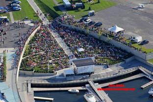 Amphitheater Crowd.jpg