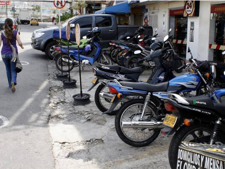 Mal parqueo en Medellín: un problema que paraliza la ciudad