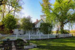 house-and-garden-300x200.jpg