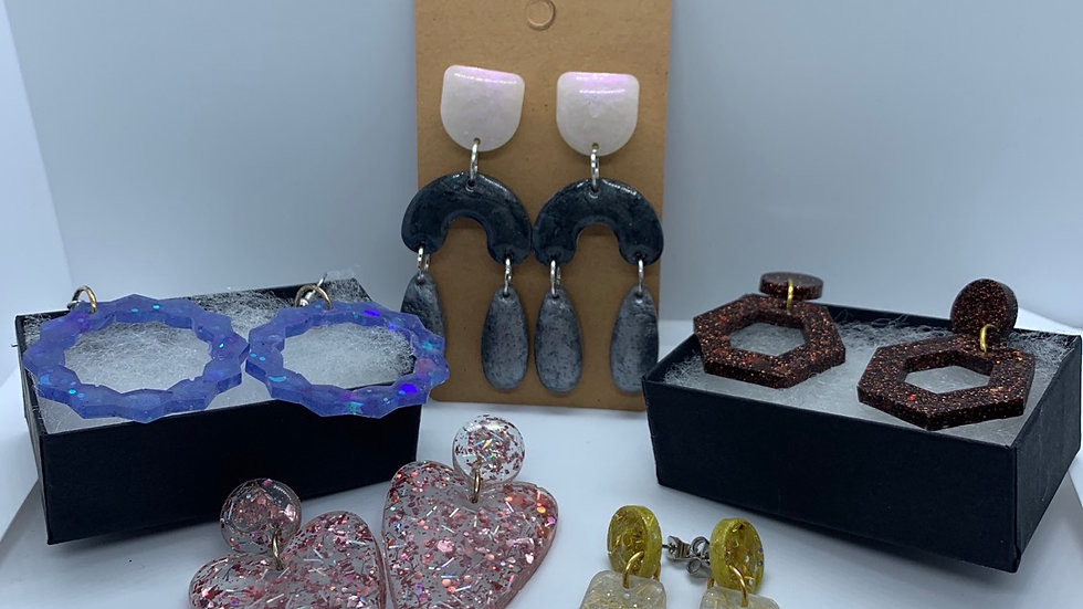 Fabulous  Favorites- set of 5 pair with FREE set