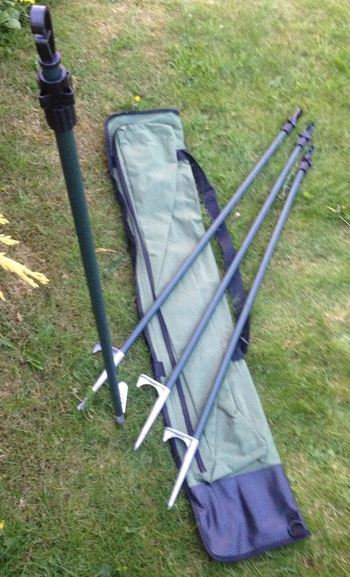 Set of 4 Hide Poles With Carrying Bag, Durham decoys & Shooting Supplies