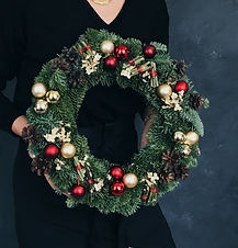 Рождественский венок из живой ели