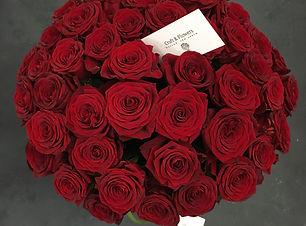 букет красных роз, букет из роз, круглый букет из роз, купить букет из роз, купить букет красных роз, заказать розы, красные розы в Craft and Flowers