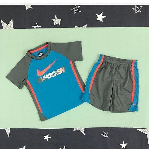 Nike gray swoosh boys set