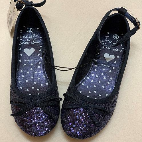 Shiny navy shoes