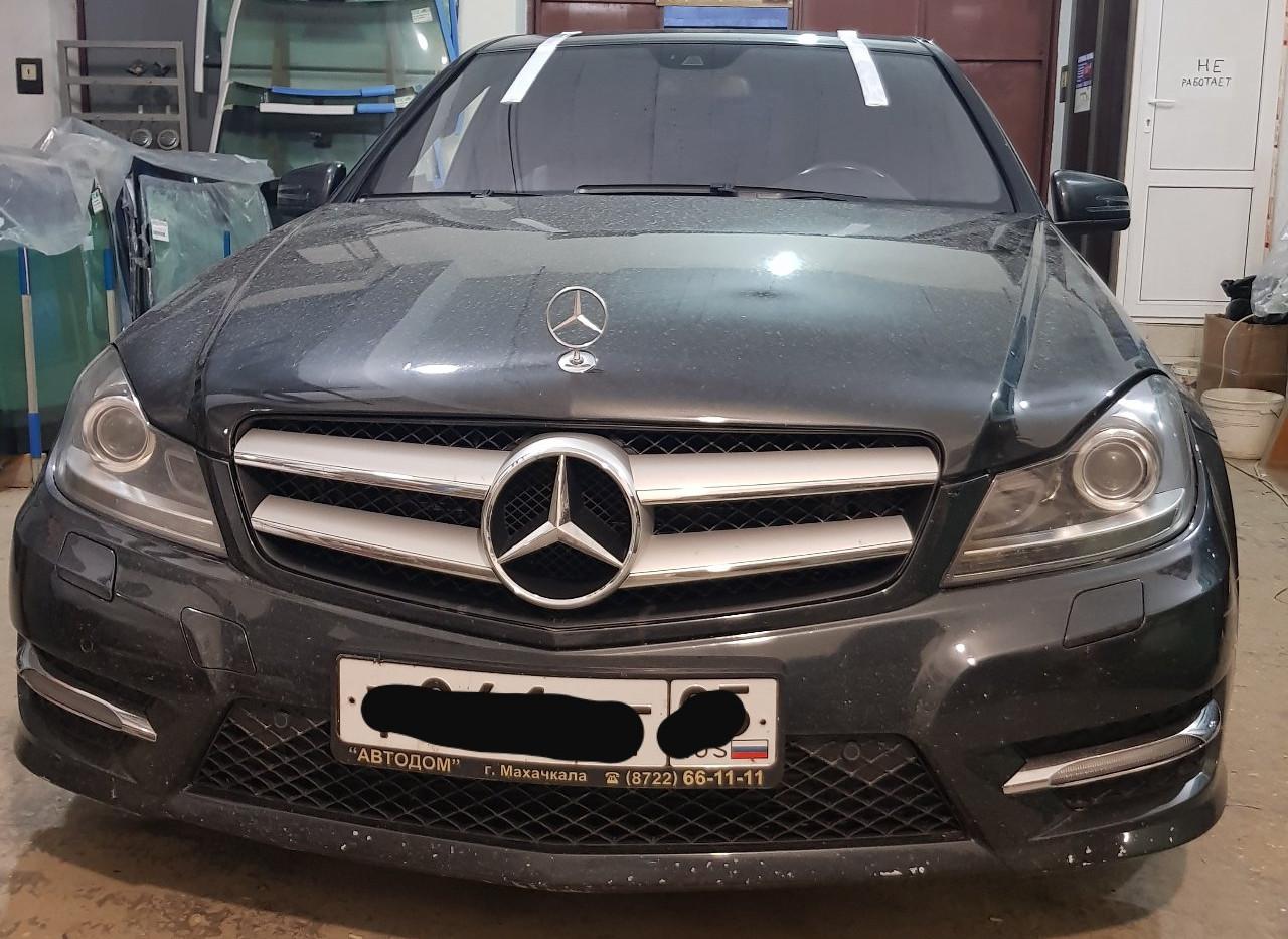 Замена лобового стекла Mercedes