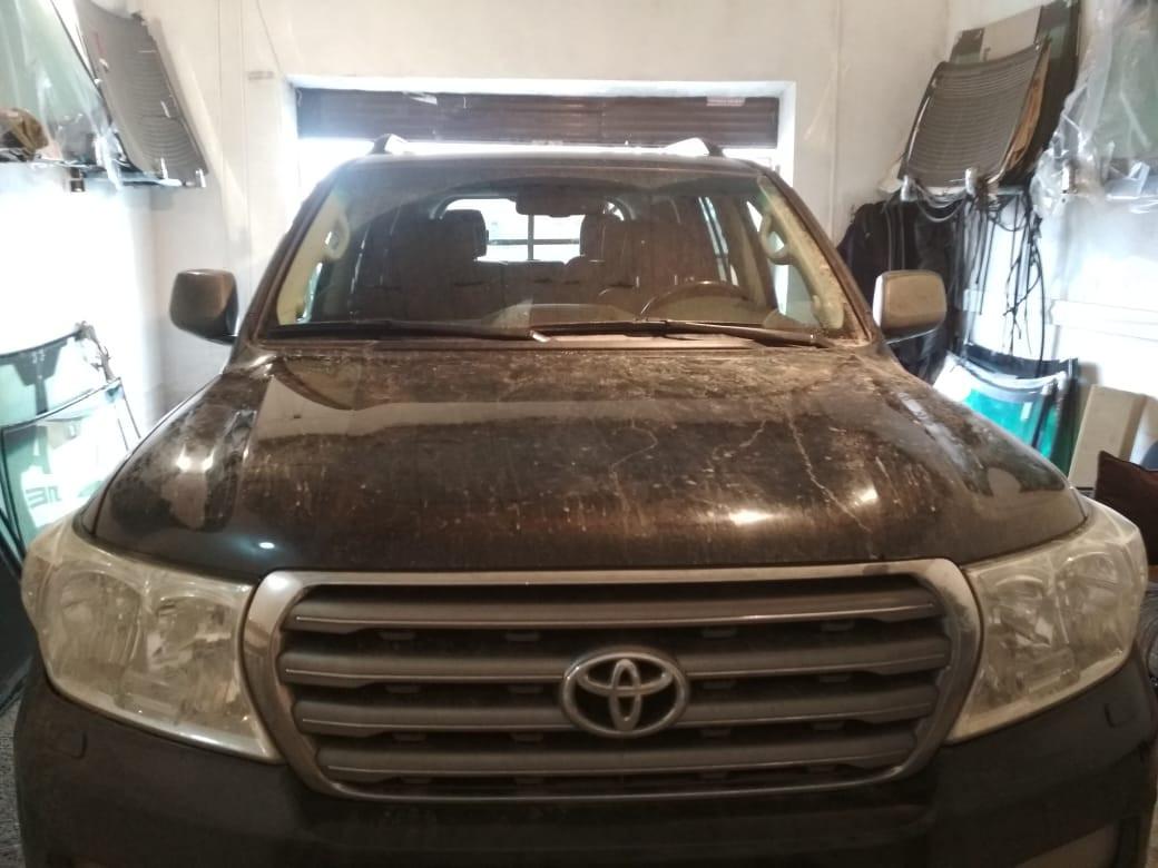 Замена лобового стекла Toyota Landcruiser