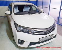 Замена лобового стекла Toyota Corolla