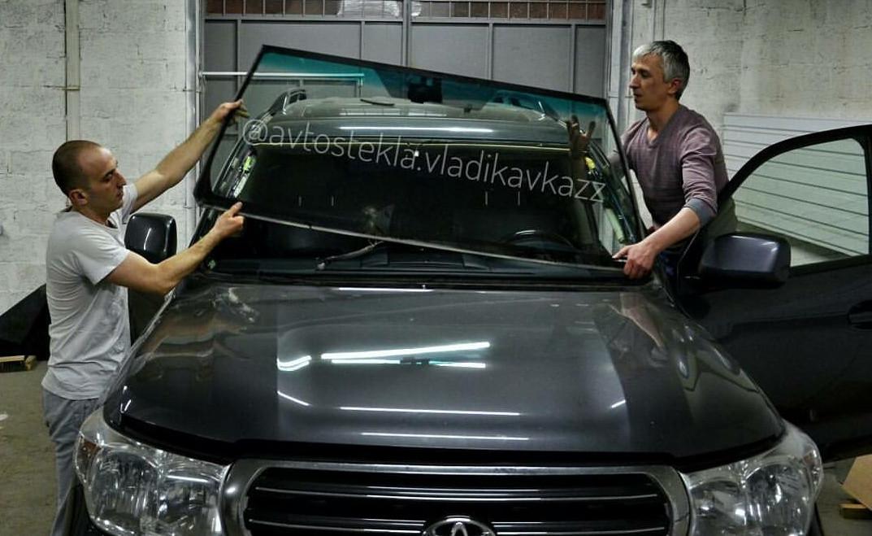 Замена лобового стекла Toyota LC 200.jpg