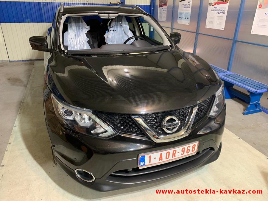 Замена лобового стекла Nissan Qashqai