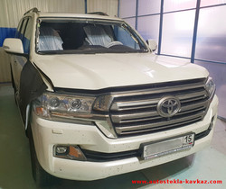 Замена лобового стекла Toyota LC 200