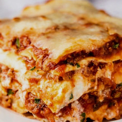 Most-Amazing-Lasagna-4-e1503516670834_ed