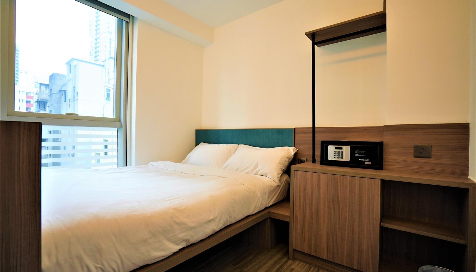 Double Room (Large).JPG