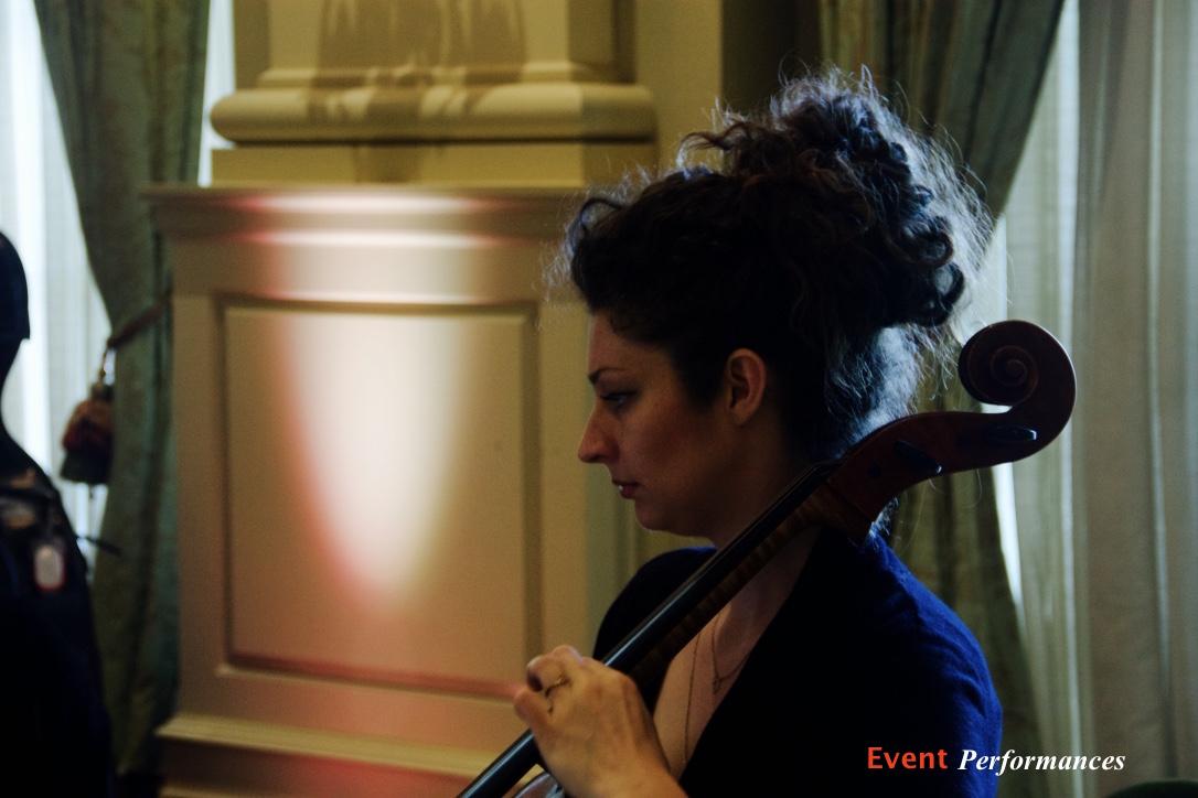 Caroline - Cellist