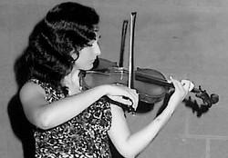 Mili - Violinist