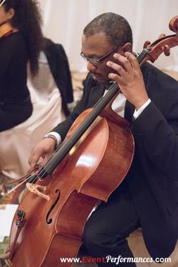 Earnest - Cellist