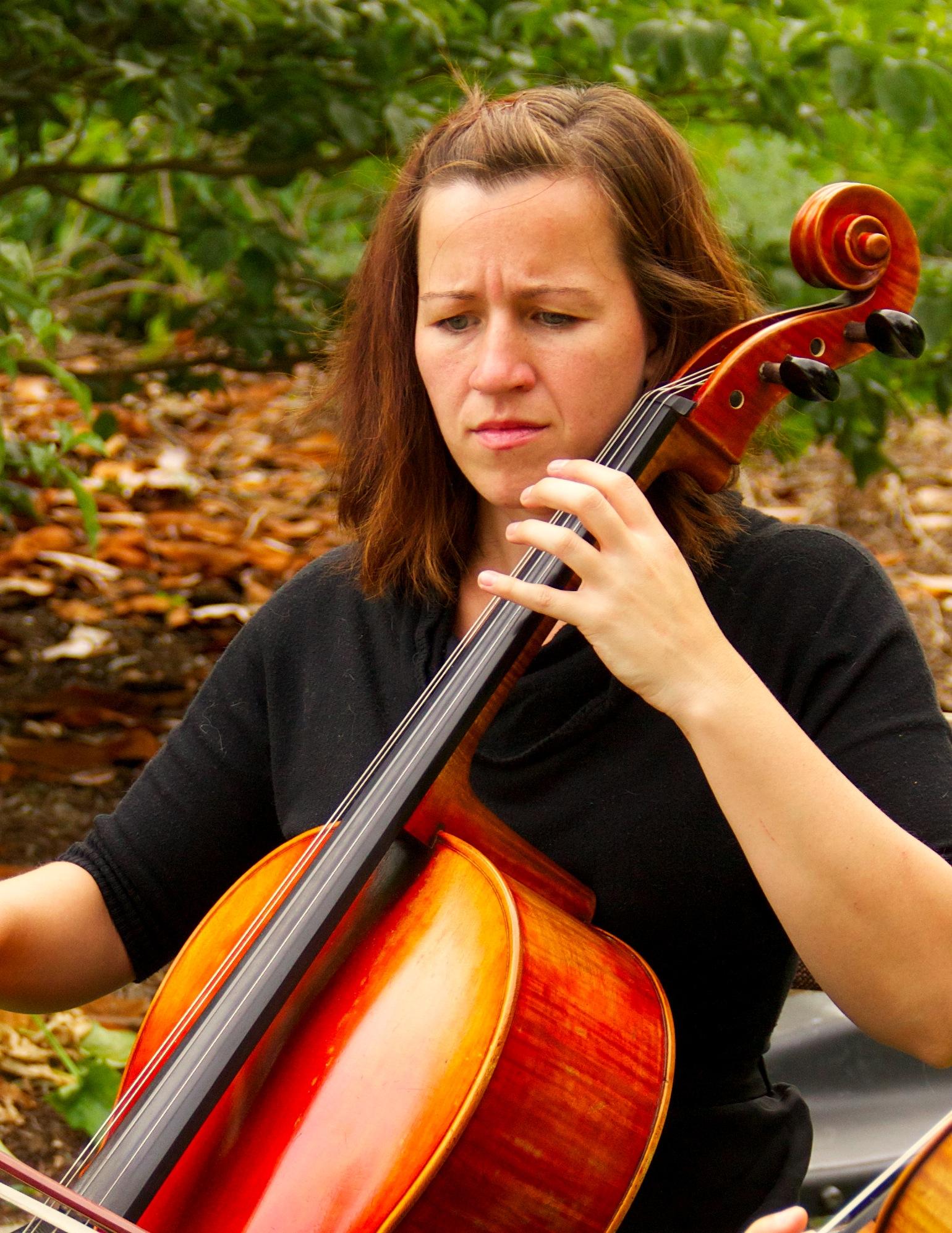 Leah - Cellist