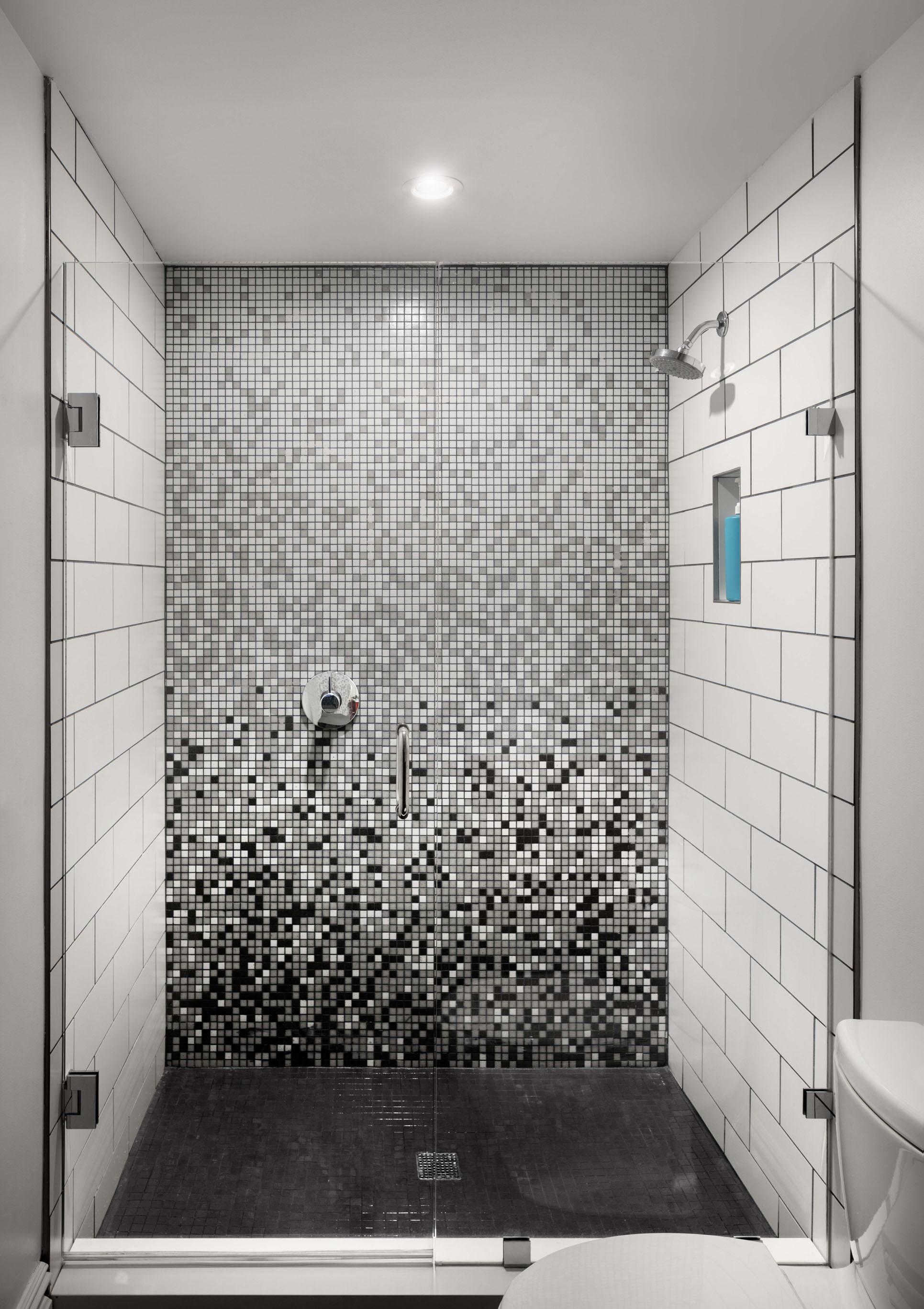 006_Shower.jpg
