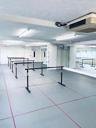 studios with bars