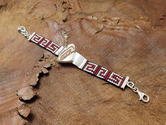 Bracelet $2,100 pesos plus shipping (mas envio)