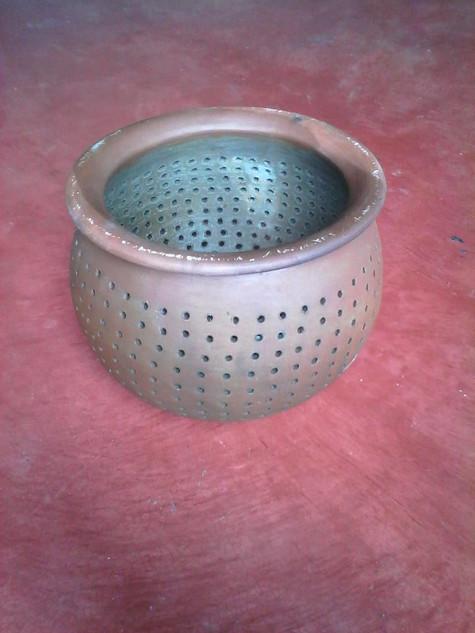 Ceramic collander $200 pesos plus shipping (mas envio)