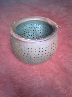 Ceramic collander $200 pesos plus shipping (mas envio)