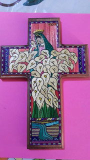 """Cross """"Virgin with Lilies"""" Popotillo $480 pesos plus shipping (mas envio)"""
