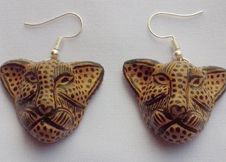 Ceramic jaguar earrings $100 pesos plus shipping (mas envio)
