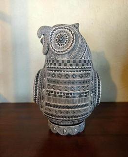 Owl with esgrafiado designs $11,000 pesos plus shipping (mas envio)