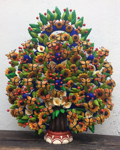 Monarch Butterfly Tree of Life by Tiburcio & Israel Soteno $8,000 pesos plus shipping (mas envio)