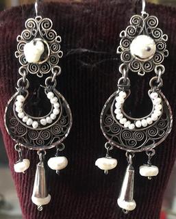 Silver Earrings $1,200 pesos plus shipping (mas envio)