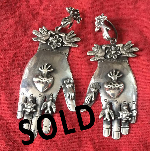 "SOLD--Earrings ""Miracle Hands"" $2,000 pesos plus shipping (mas envio)"
