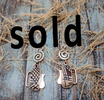 SOLD--Silver & Copper Earrings with Mata Ortiz Pottery $780 pesos plus shipping (mas envio)