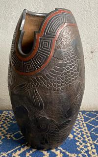 Vase in Barro Esgrafiado with Fish $2,500 pesos plus shipping (mas envio)