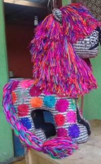Handmade wool lion: Large $2,500, Medium $2,000, Small $300 plus shipping (mas envio)
