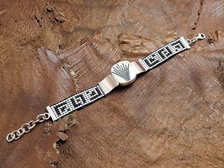Bracelet $1,020 pesos plus shipping (mas envio)