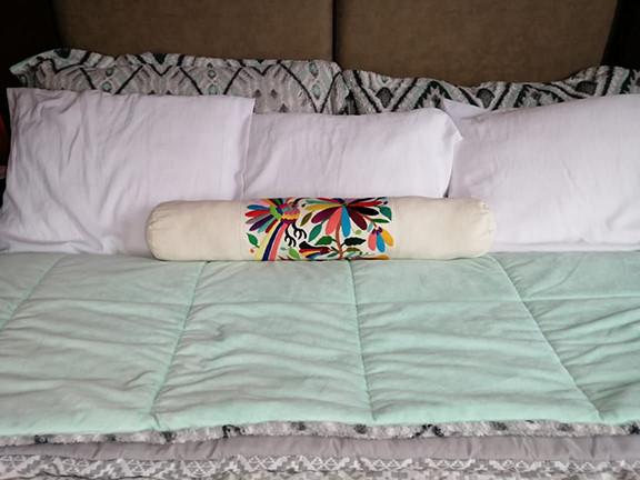 Bed pillow $480 pesos plus shipping (mas envio)