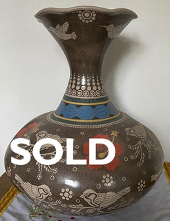 SOLD-Vase in Barro Esgrafiado $5,000 pesos plus shipping (mas envio)