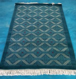 """Larrainzar"" Oriental-style hand-knotted rug $12850 pesos plus shipping (mas envio)"