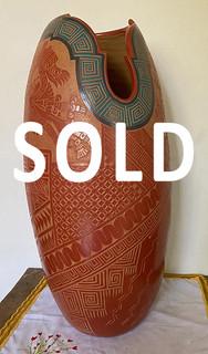 SOLD -- Large Vessel, esgraffito $7,500 pesos plus shipping (mas envio)