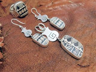 Set: Ring, earrings and pendant $4,305 pesos plus shipping (mas envio)
