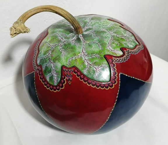 Hand-painted Gourd Sewing Kit $5800 pesos plus shipping (mas envio)